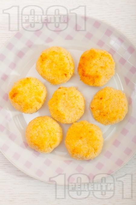 Кокосови сладки без брашно - снимка на рецептата